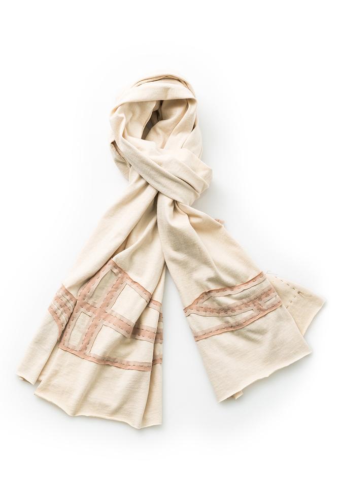 Clark scarf   wrap scarf   lee   straight stitch applique   tea vetiver   27200   september 2017   abraham rowe 1