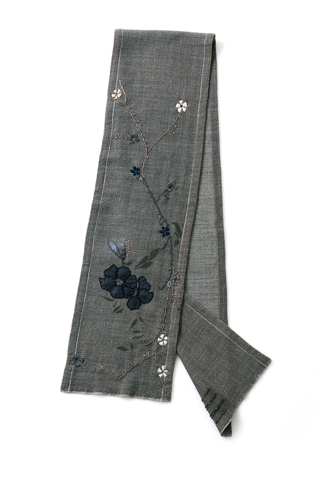 Alabama chanin embroidered woven scarf 4