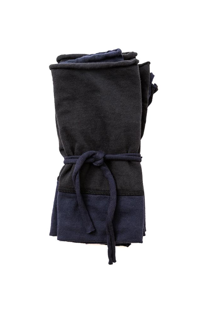 Colorblock napkins   basic   black navy   october 2018   abraham rowe 1