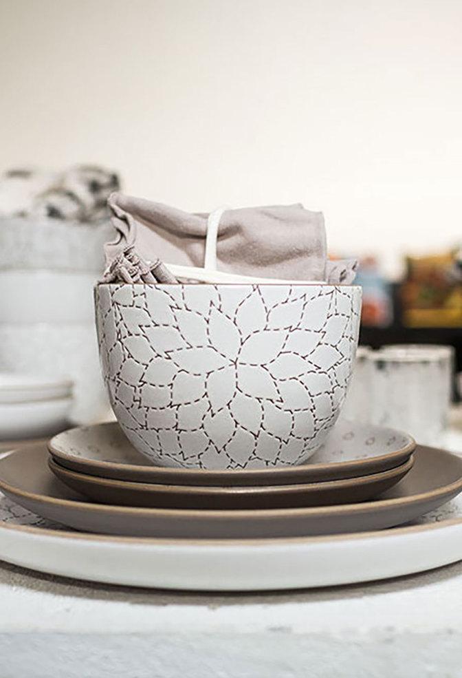 Heath ceramics alabama chanin camellia etched deep serving bowl 2