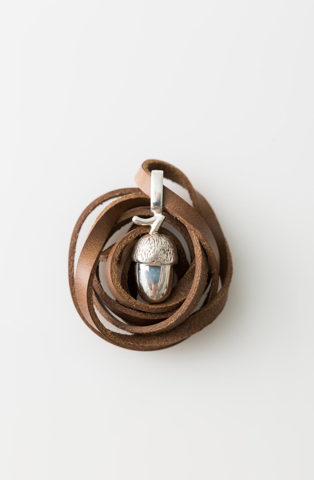 Accessory   acorn pendant necklace   abraham rowe %2825%29