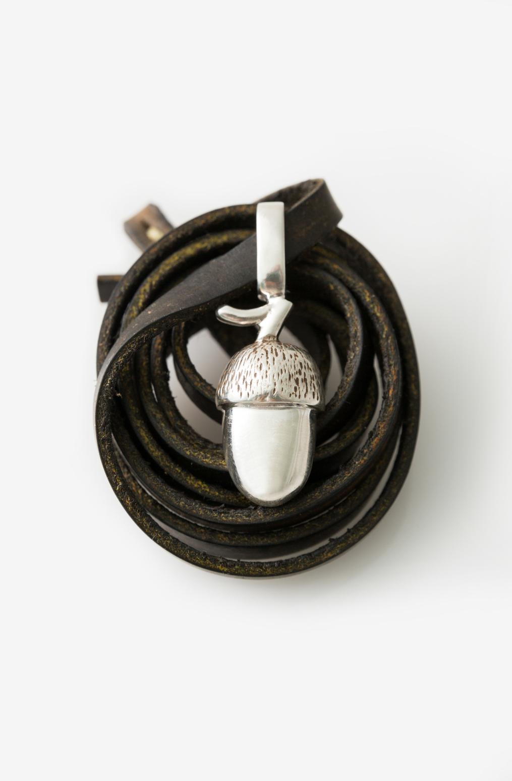 Accessory   acorn pendant necklace   abraham rowe 26